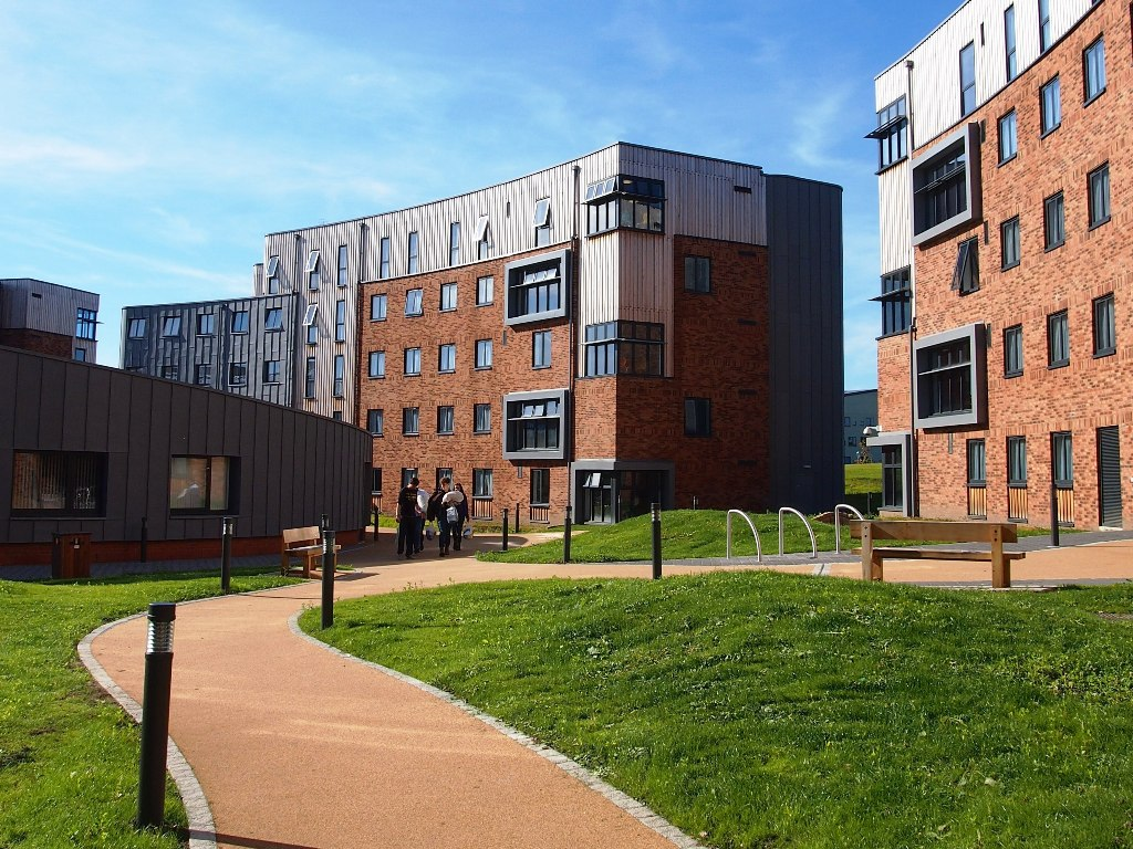 """Isolated"" freshers told by University to live off-campus"