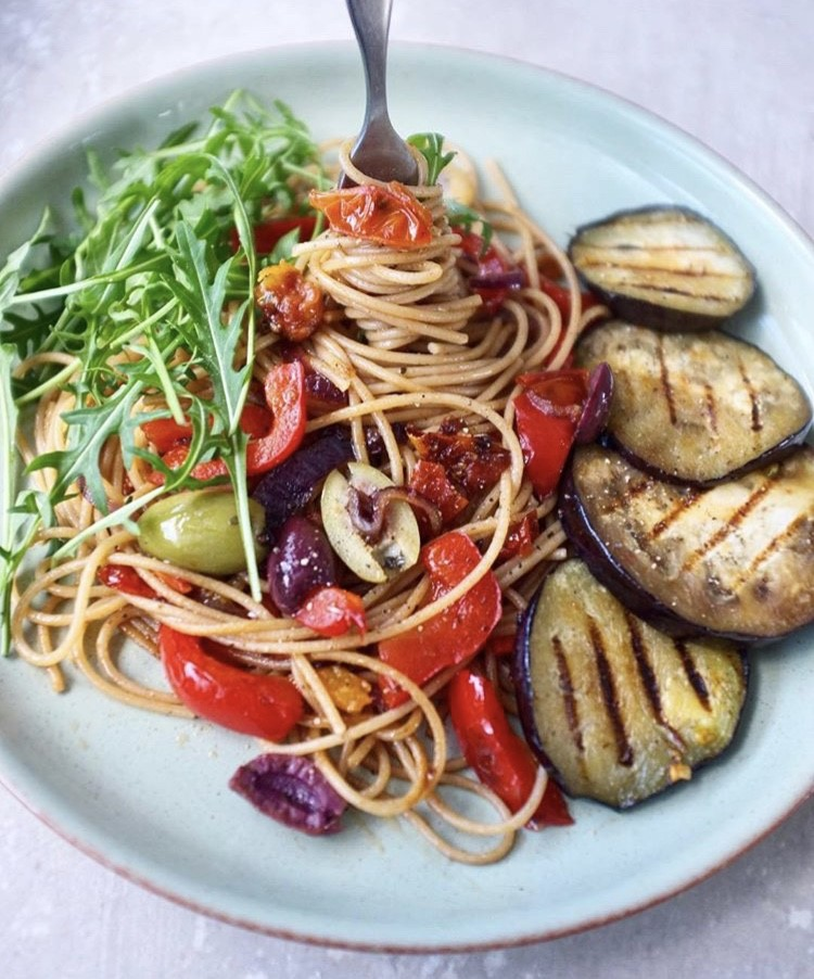 Vegan Eats: Simple Spaghetti with roasted vegetables