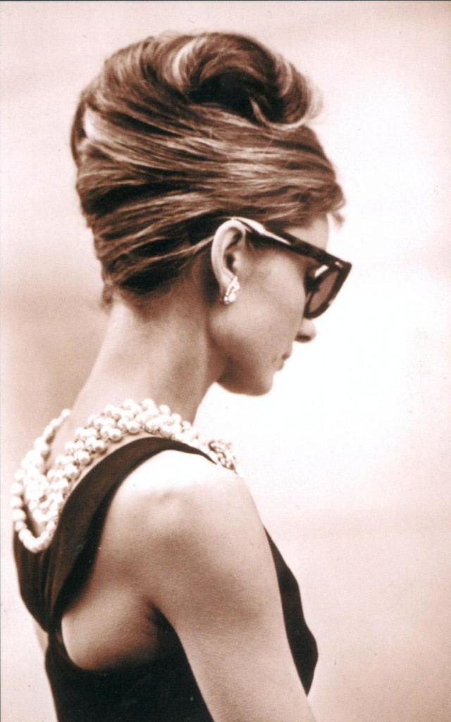 The iconic Breakfast at Tiffany's shot. Image http://www.telegraph.co.uk/fashion/people/audrey-hepburn-style-icon-best-looks/breakfast-at-tiffanys-pearls/