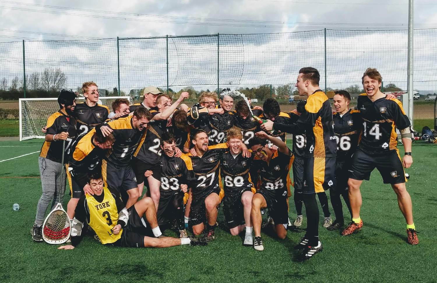 Men's Lacrosse 2s seal promotion in style