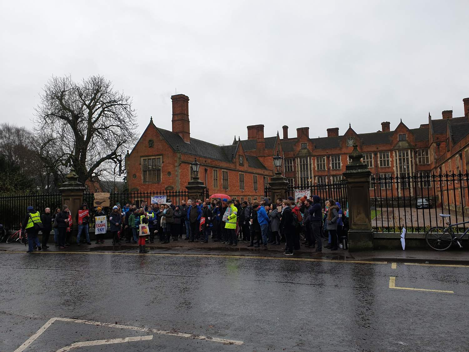 CLASH OF COMMENTS: Do you support the UCU staff strike?